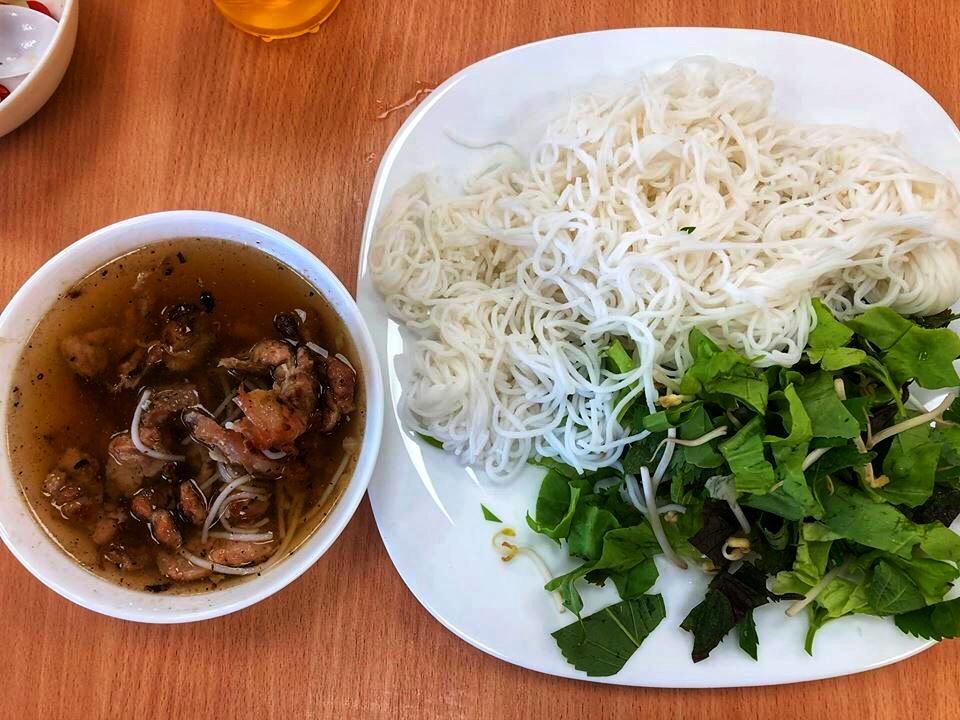 Pho Mai Hien, Bakalarska, gdzie jeść na Bakalarskiej, gdzie na pho, gdzie na bun cha, kuchnia wietnamska w Warszawie, bun cha