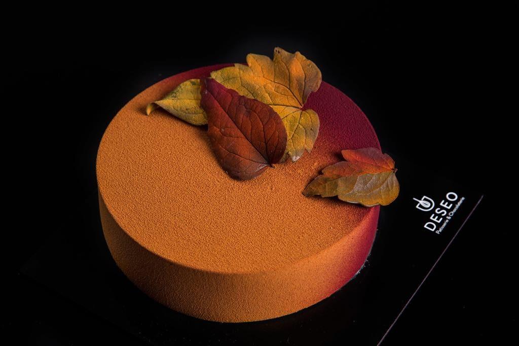 DESEO, torty DESEO, najlepsze cukiernie w Warszawie, jesienny tort, czekoladowe liście