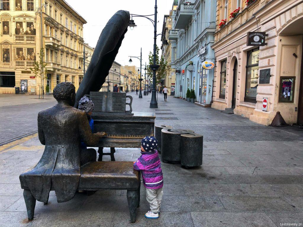 Piotrkowska, Łódź, co robić w Łodzi, co zobaczyć w Łodzi, łódź z dziećmi, pomniki w Łodzi, pomnik Rubinsteina