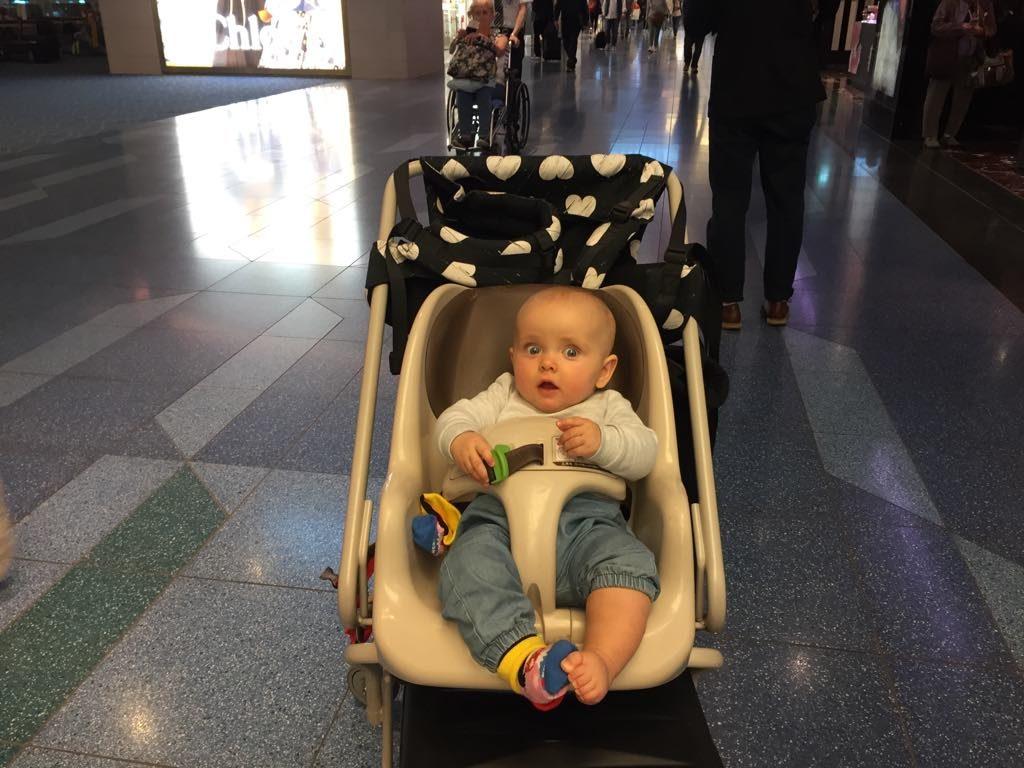 dziecko-lotnisko