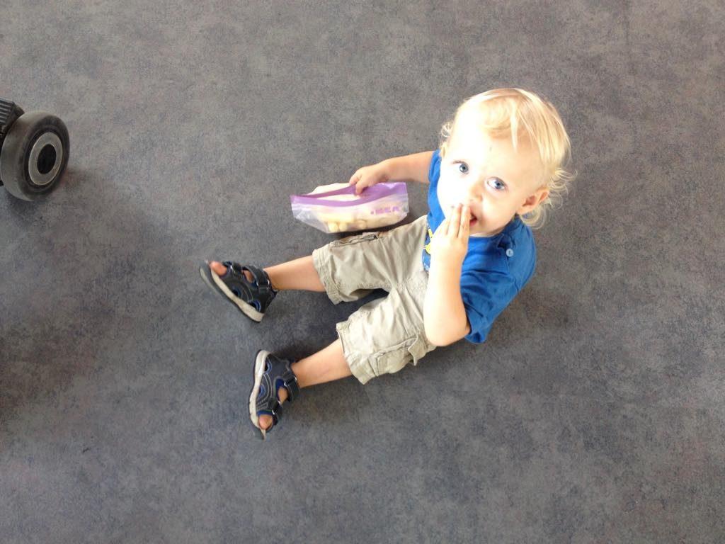 podroze-z-dzieckiem-lotnisko