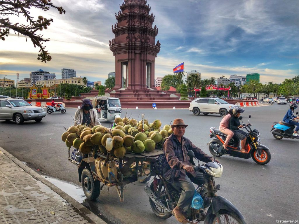 independence-monument-phnom-penh (2)