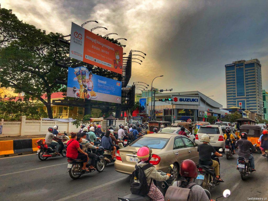 ulice-phnom-penh-kambodza-1