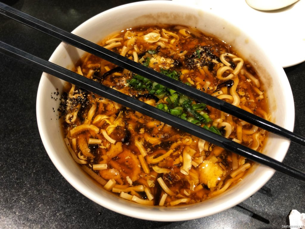 zupa ostro-kwaśna-din tai-fung-singapur