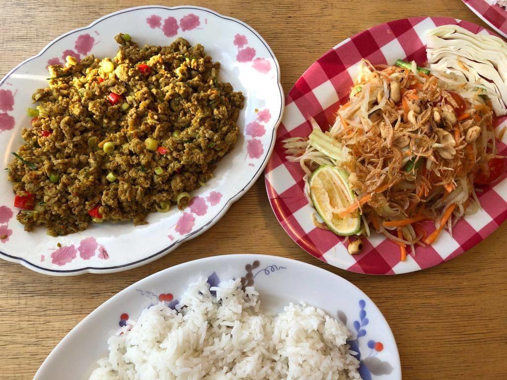 dry curry i som tam