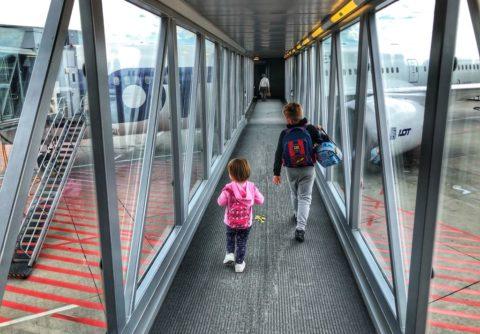 w drodze do samolotu