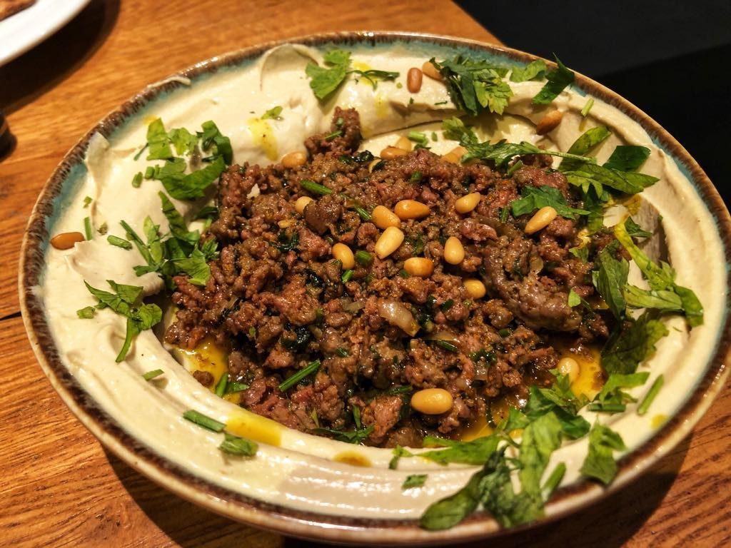 hummus z mięsem