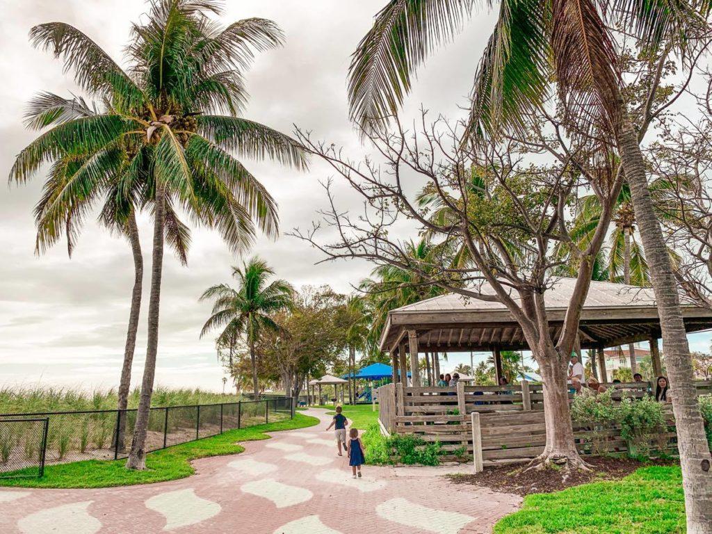 Okolice Sombrero Beach