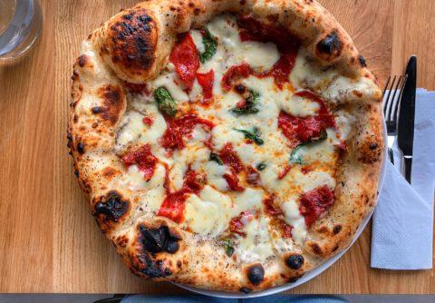 Tartufata_pizza