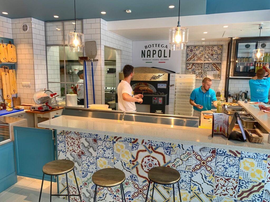 Bottega Napoli wnętrze