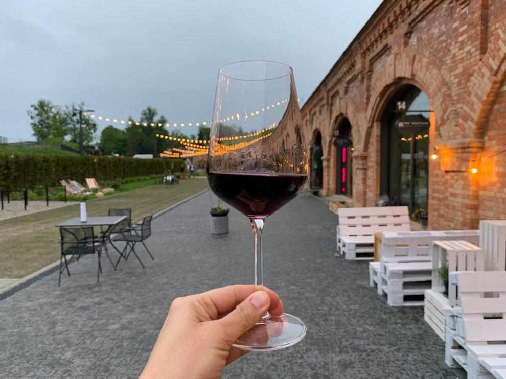 wino w Fort 8