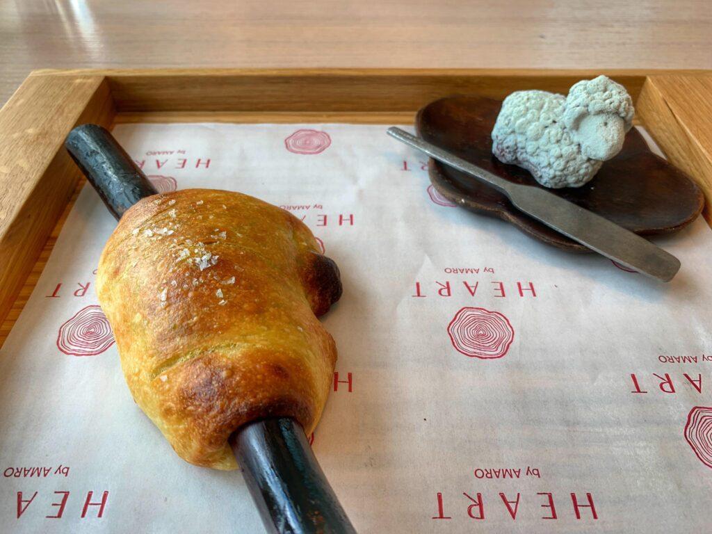 zawijaniec chlebowy i parfait z wątróbek