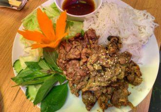Hanoi Grill_kaczka z Grilla i makaron bun