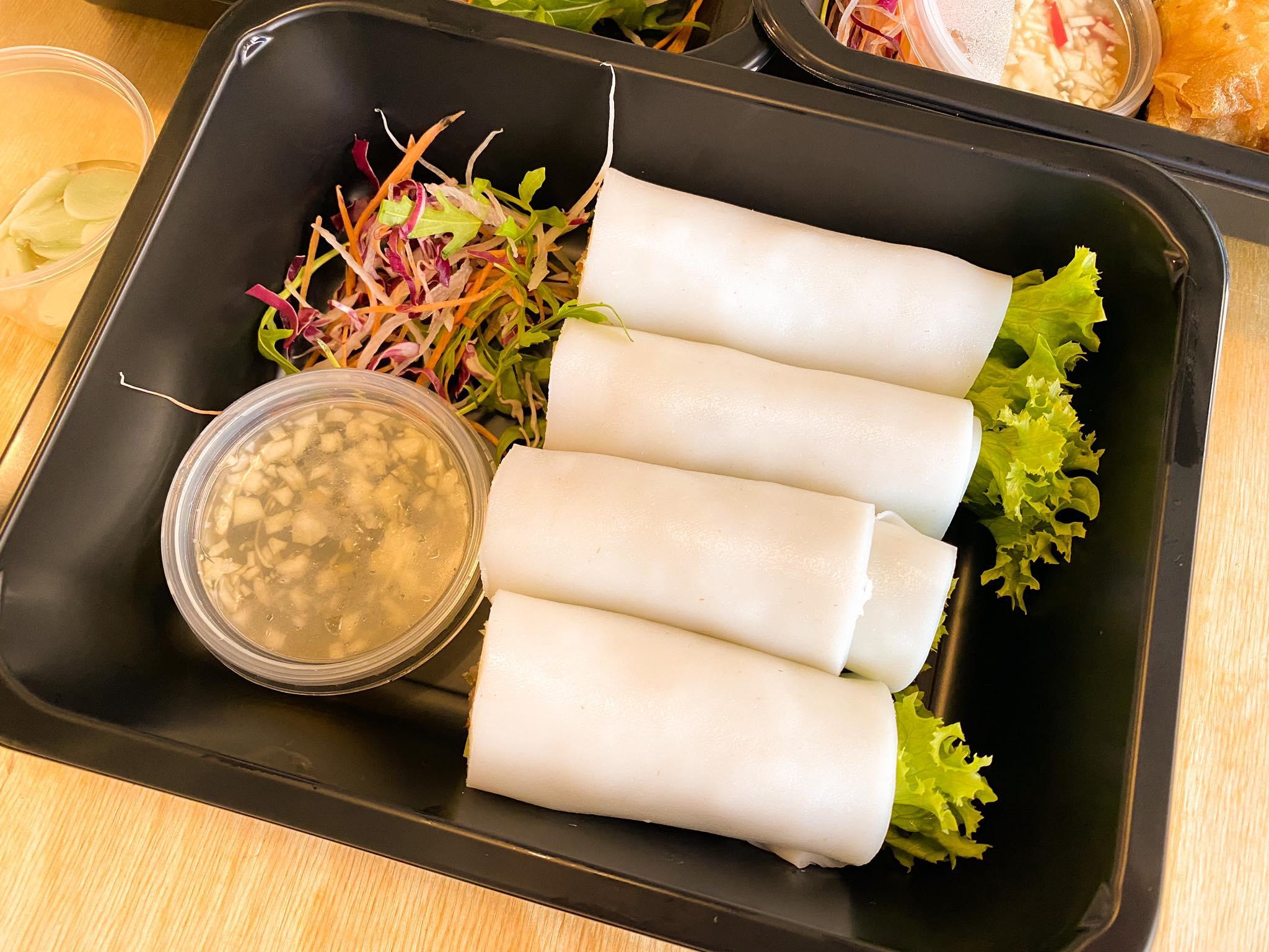 spring rolls z kaczką