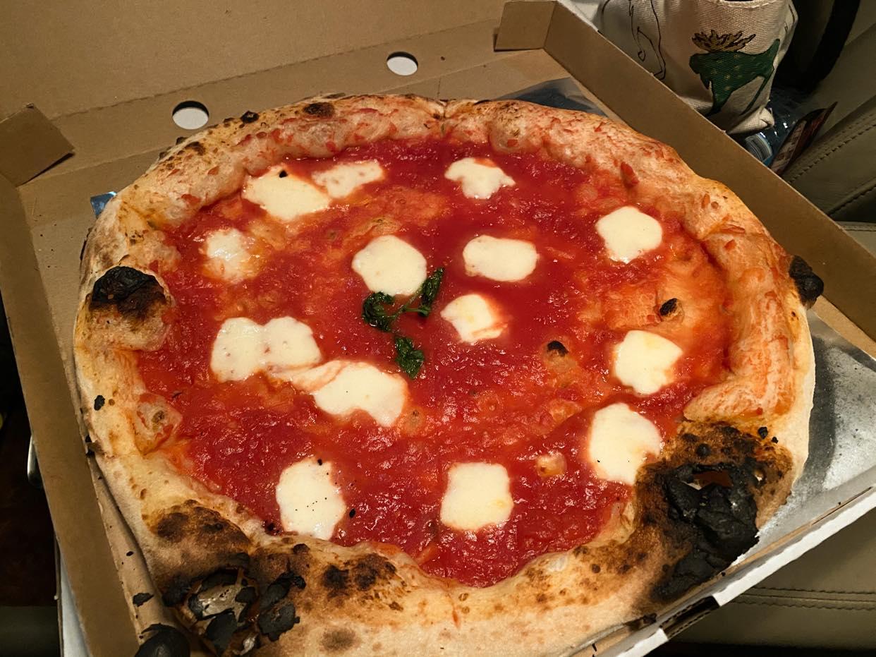 Polpo, pizza Margherita
