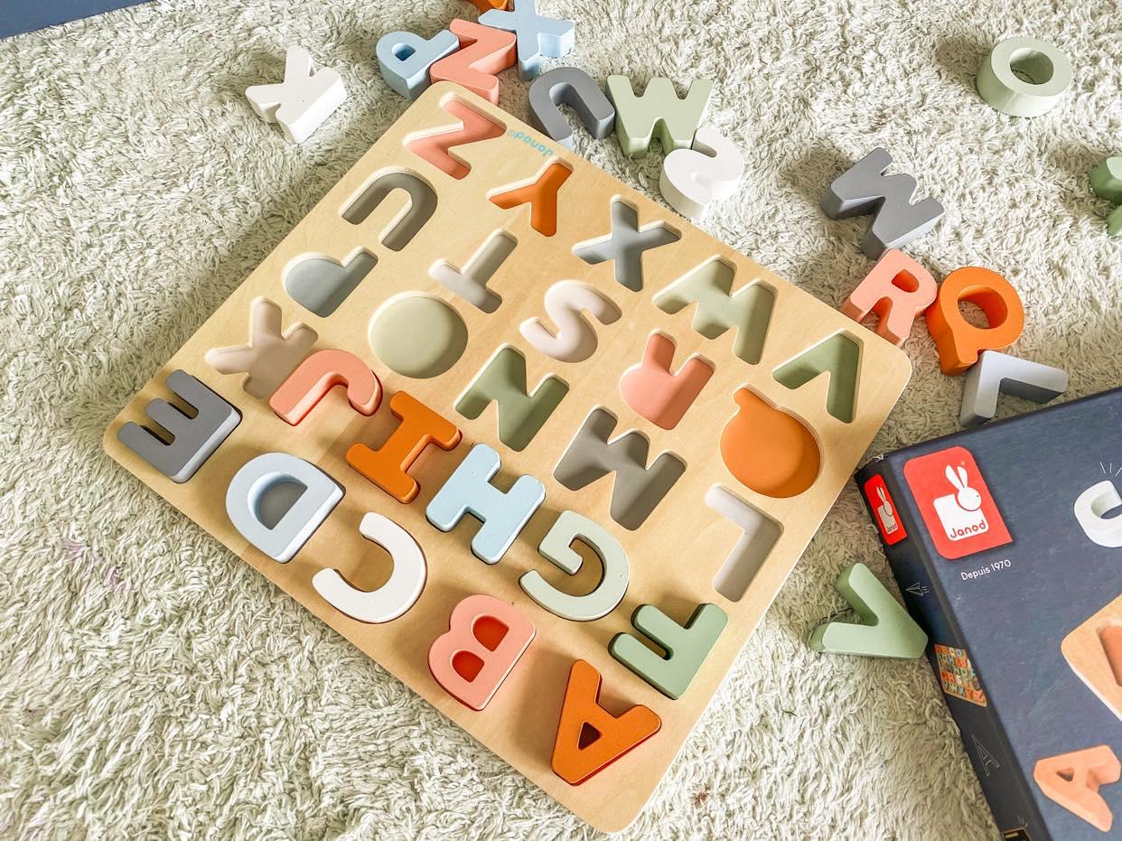drewniany alfabet_Janod