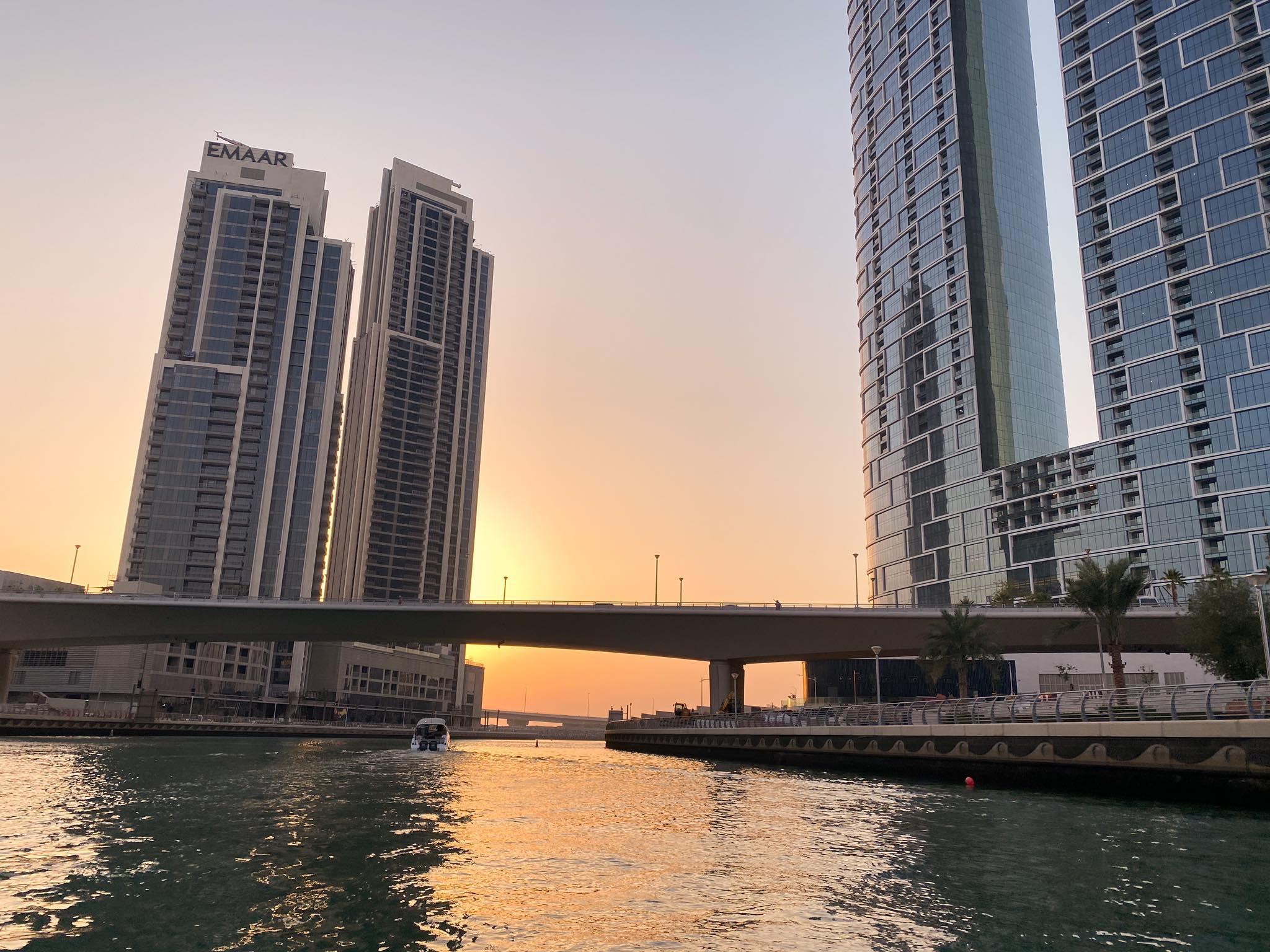 wypływamy z Dubai Marina