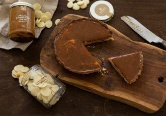 tarta z białą czekoladą i praliną z orzechów pekan_1 (5)